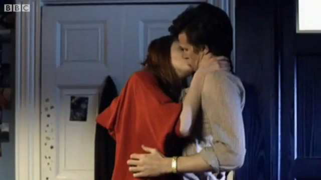 Amy Pond Kissing
